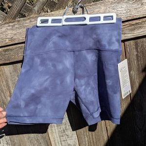 NWT Wunder Train High Rise Short 6 inch